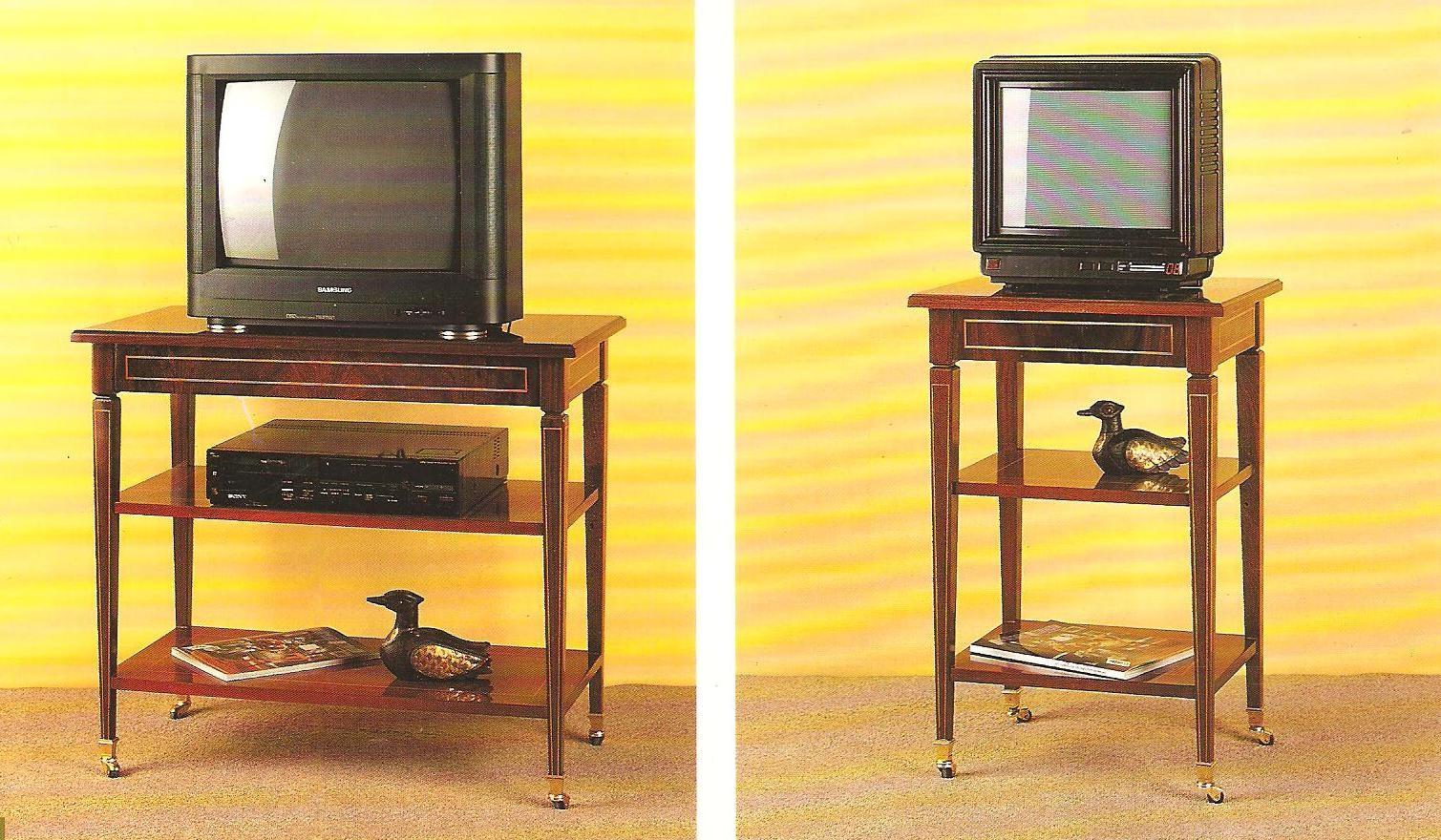 MESA TV GRANDE Y CHICA